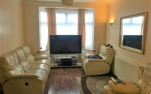 3 Bed House to Sale in Manor Park